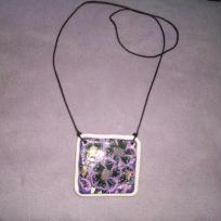 Pendentif carré violet et noir en pâte fimo