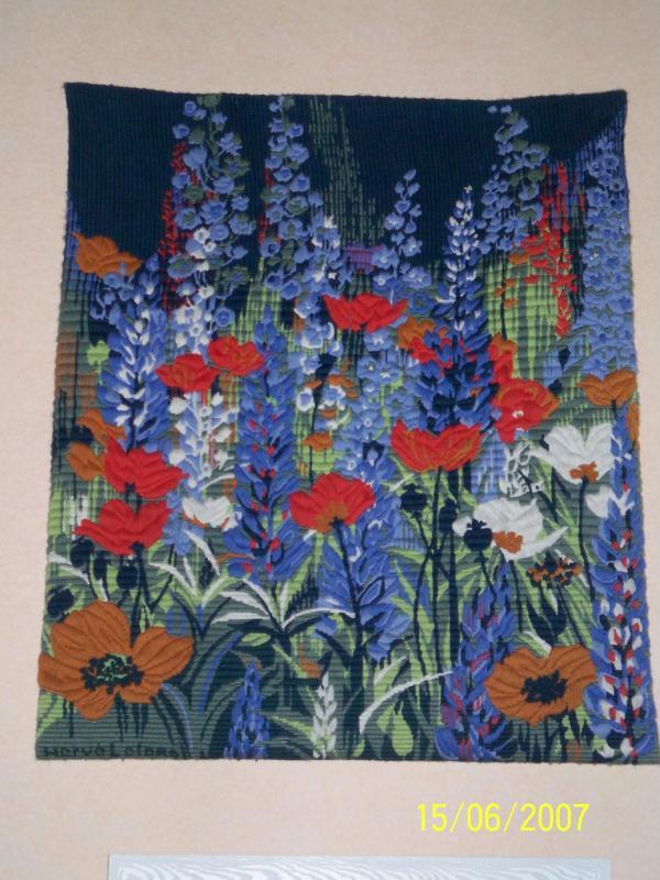 tapisserie fleurs de printemps sur fond bleu cr ation. Black Bedroom Furniture Sets. Home Design Ideas