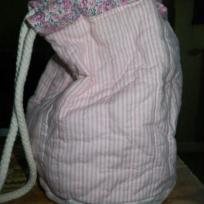 Petit sac matelassé rose tout usage