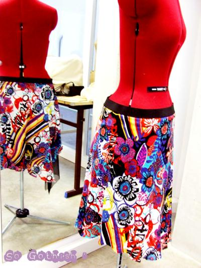 jupe asym trique type desigual cr ation couture de zenou n 40 682 vue 5 042 fois. Black Bedroom Furniture Sets. Home Design Ideas