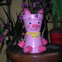 Le petit cochon, miss coco, et sa queue en tir bouchon