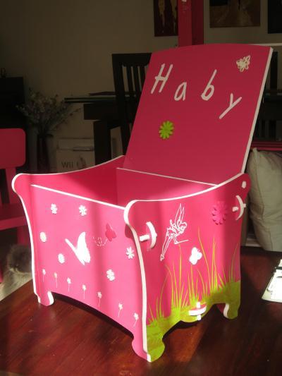 coffre jouets rose petite fille cr ation chambre d 39 enfant de sonia2772 n 41 631 vue 2 147 fois. Black Bedroom Furniture Sets. Home Design Ideas