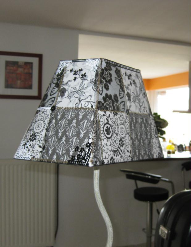abat jour inspiration baroque noir blanc cr ation serviettes en papier de mimol o n 41 898. Black Bedroom Furniture Sets. Home Design Ideas