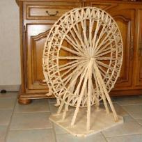 La grande roue en pinces à linge et ses 22 sieges