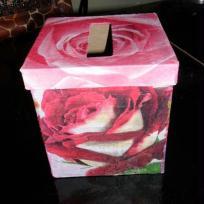 La boite a mouchoirs en rose