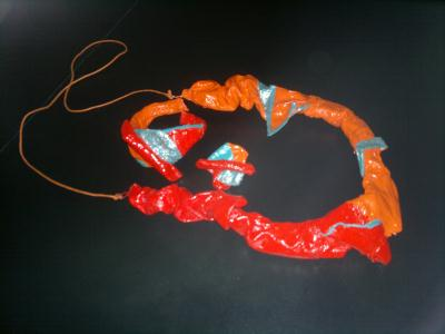 Parure bijoux en tissu - Rouge, orange et turquoise pailletté.