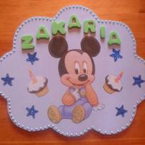 Déco chambre Bébé: Plaque de porte Mickey  en serviette