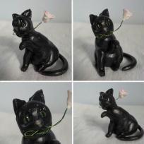 Création chat en fimo -  offrant une rose