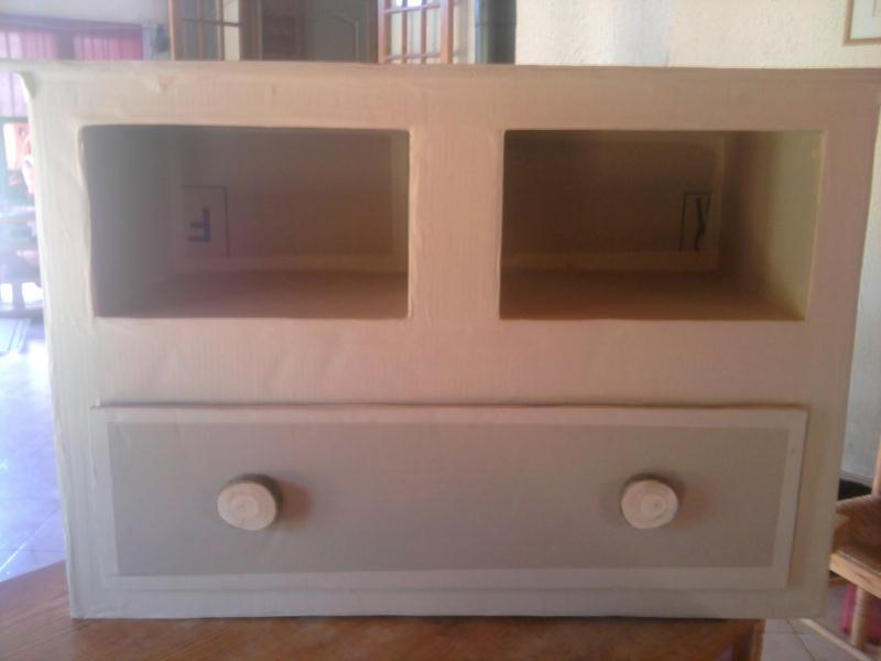 commode en carton 2 niches 1 tiroir cr ation meuble en carton de vanessa09 n 46 843 vue. Black Bedroom Furniture Sets. Home Design Ideas