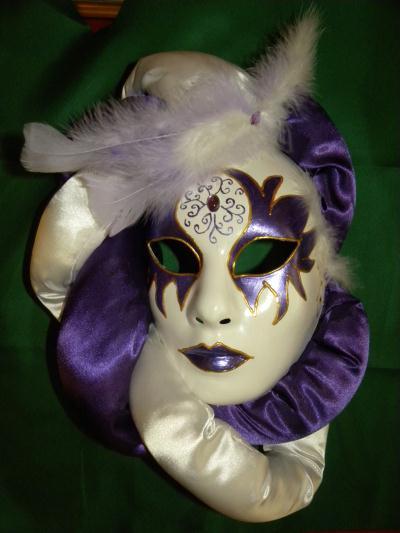 cr ation masque v nitien blanc et violet cr ation masque de esmeralda2111 n 48 567 vue 4 506. Black Bedroom Furniture Sets. Home Design Ideas
