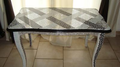 cr ation table basse recouvert d 39 une mosaique cr ation mosa que de passion mosaique n 48 631. Black Bedroom Furniture Sets. Home Design Ideas