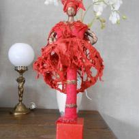 Fabrication buste danseuse africaine , robe rouge