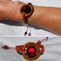 Fabrication bracelet cordon de cuir et bois