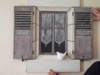 cr ation d coration en trompe l 39 oeil petit oiseau sur fen tre cr ation d coration de maric. Black Bedroom Furniture Sets. Home Design Ideas