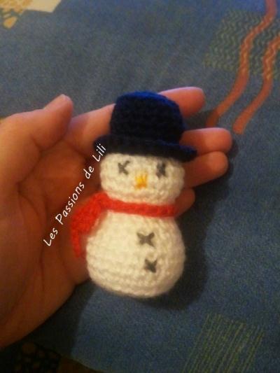Cr ation bonhomme de neige amigurumi crochet cr ation - Bonhomme de neige au crochet ...