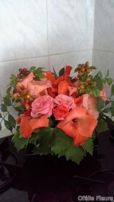 Composition florale avec fleurs fraiches du jardin for Fleurs fraiches