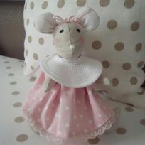 Création de Rosa la petite souris en lin