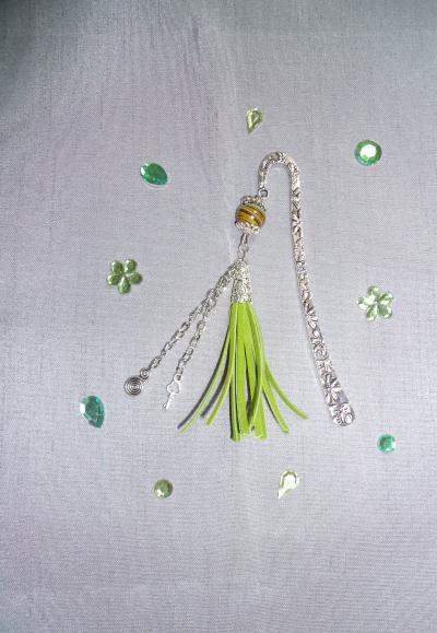 cr ation marque pages r alis avec diff rentes perles cr ation perles et bijoux de. Black Bedroom Furniture Sets. Home Design Ideas