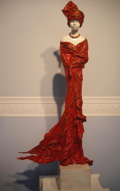 Création statue en powertex femme position debout