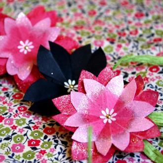 Création trio de fleurs de cerisier en papier origami