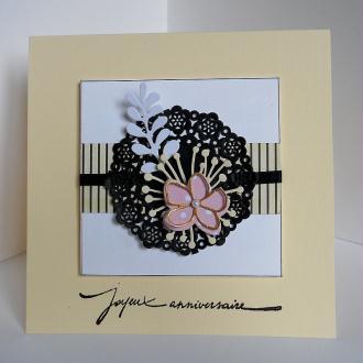 Création Carte d'anniversaire avec napperon en papier