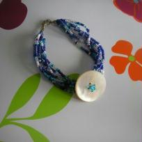 Bracelet avec bouton en nacre