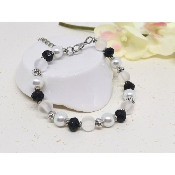 Kit bracelet perles en verre noire et blanche - Photo n°3