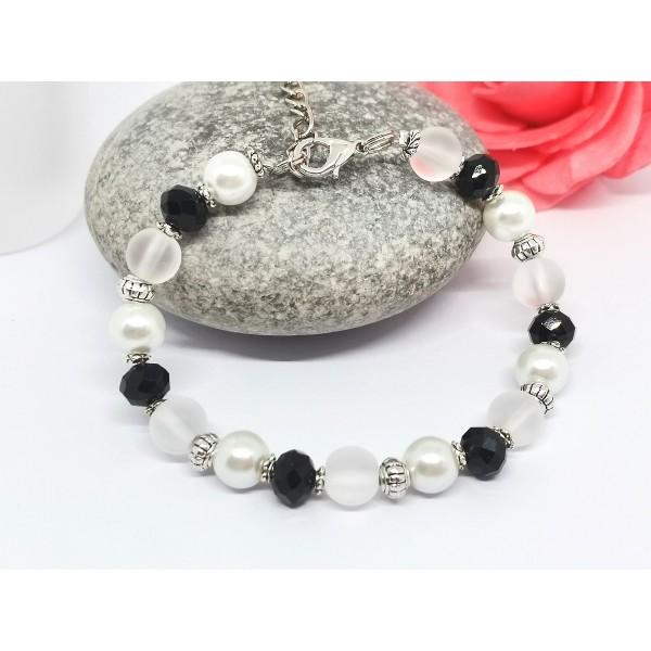 Kit bracelet perles en verre noire et blanche - Photo n°1