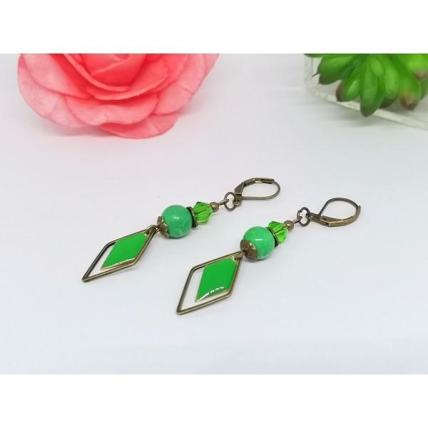 Kit de boucles d'oreilles apprêts bronze et sequin émail vert losange - Photo n°2