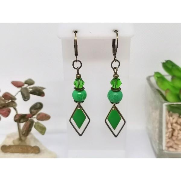 Kit de boucles d'oreilles apprêts bronze et sequin émail vert losange - Photo n°1