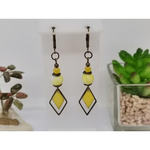 Kit de boucles d'oreilles apprêts bronze et sequin émail jaune losange - Photo n°1