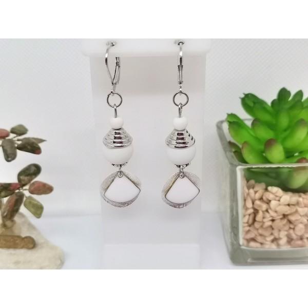 Kit boucles d'oreilles apprêts argent mat et sequin émail blanc - Photo n°1