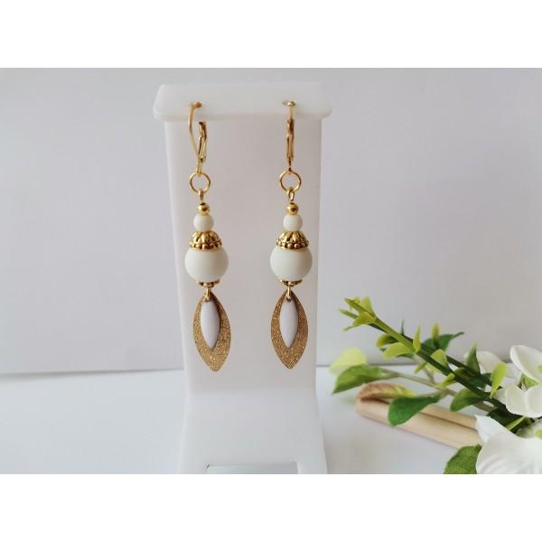 Kit boucles d'oreilles pendentif dague doré et perles blanches - Photo n°1