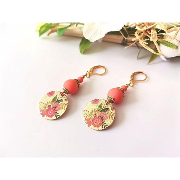 Kit boucles d'oreilles pendentif doré à motif et perles oranges - Photo n°2