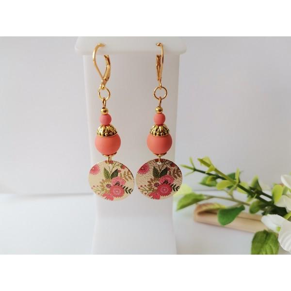 Kit boucles d'oreilles pendentif doré à motif et perles oranges - Photo n°1