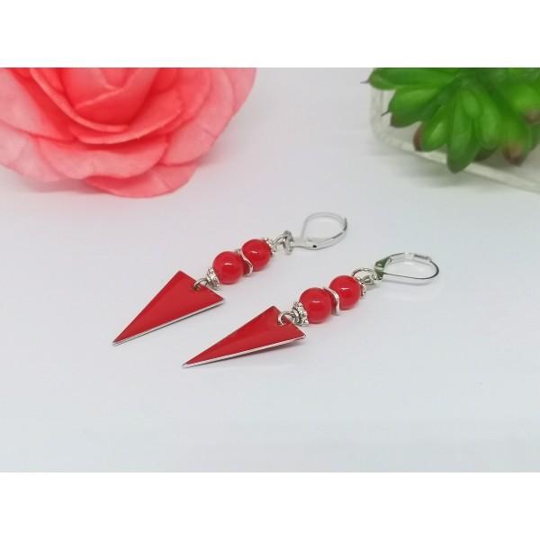Kit boucles d'oreilles apprêts argent mat et sequin émail triangle rouge - Photo n°2