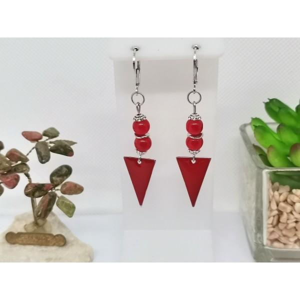 Kit boucles d'oreilles apprêts argent mat et sequin émail triangle rouge - Photo n°1