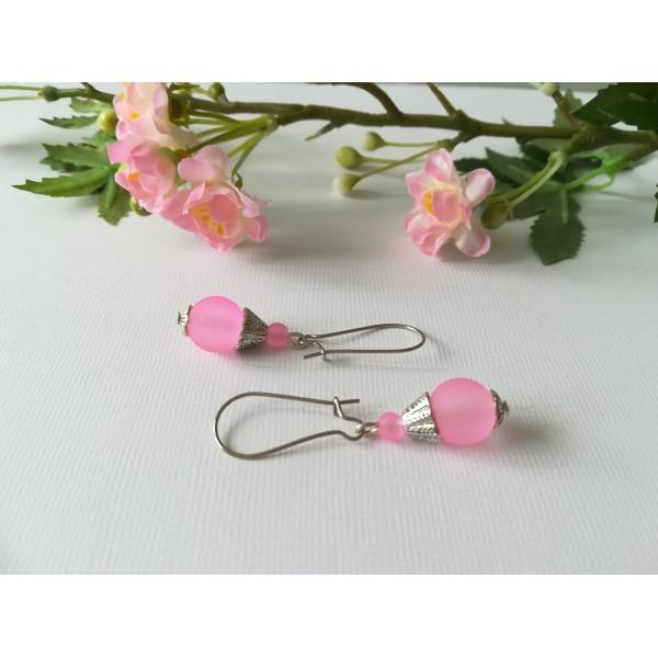 Kit de boucles d'oreilles argent mat et perle en verre rose - Photo n°2