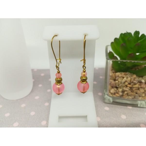 Kit boucles d'oreilles apprêts dorés et perles en verre givré saumon - Photo n°1