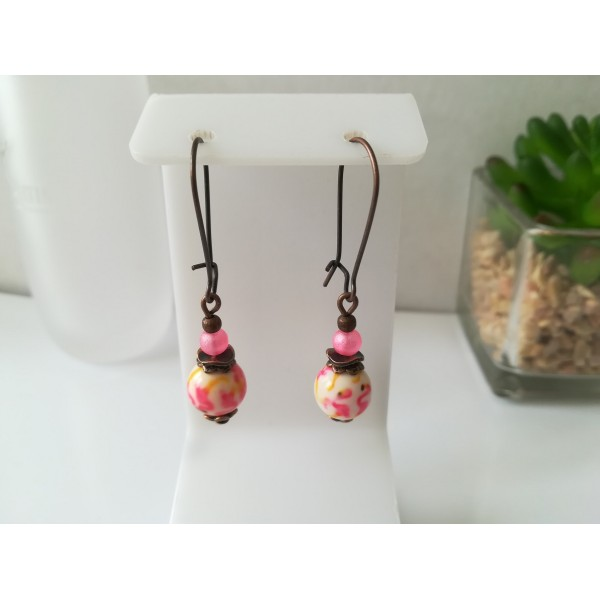 Kit de boucles d'oreilles apprêts cuivre et perle à motif rose et jaune - Photo n°1