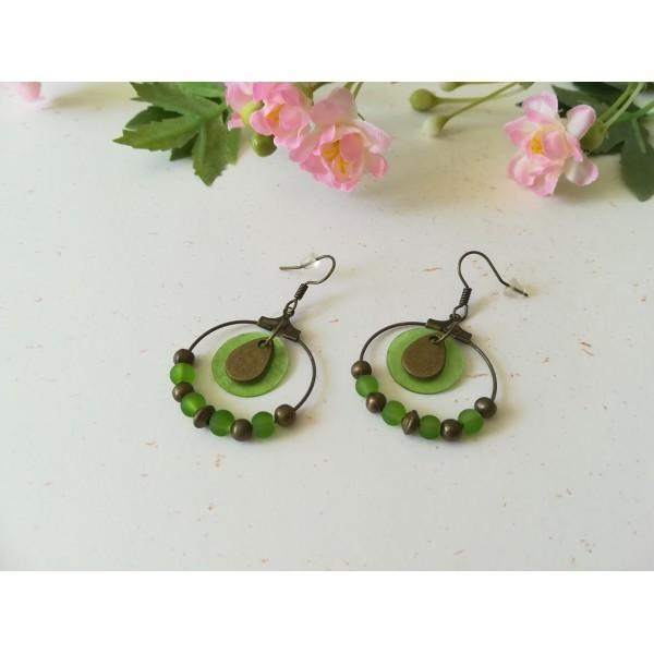Kit boucles d'oreilles créoles bronze et sequin vert - Photo n°1