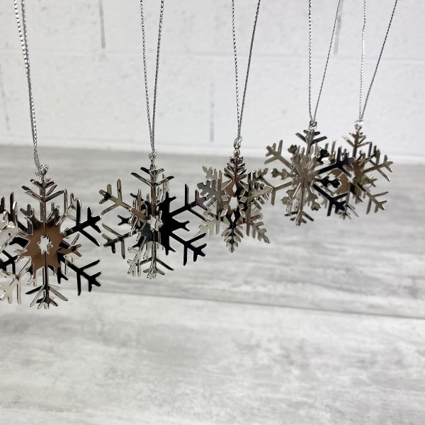 Lot de 5 flocons de neige, métal argenté, dim. 5 cm, déco de sapin de noël à suspendre - Photo n°2