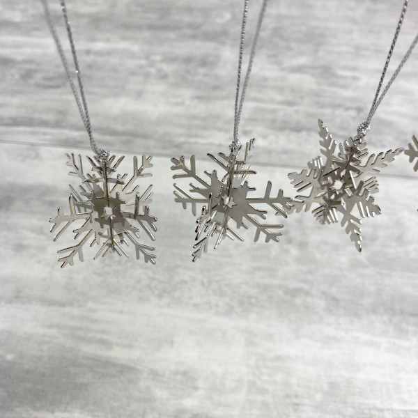 Lot de 5 flocons de neige, métal argenté, dim. 5 cm, déco de sapin de noël à suspendre - Photo n°3