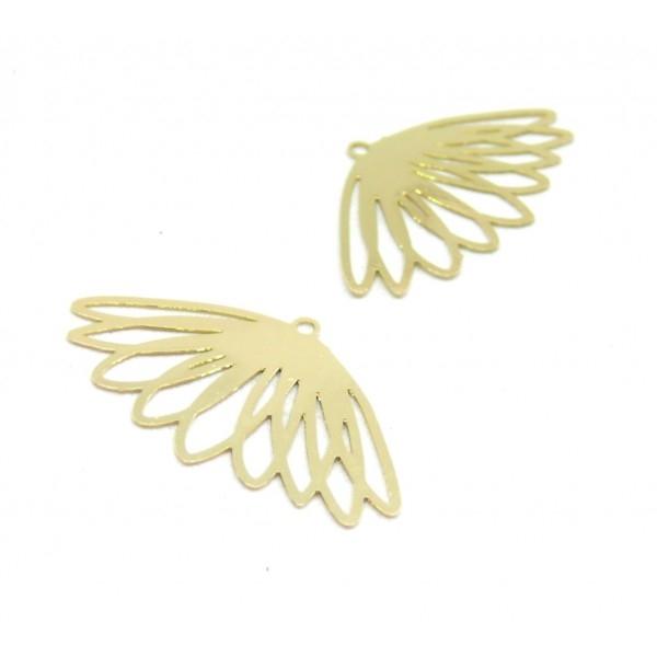 AE1111636 Lot de 4 Estampes pendentif filigrane Fleur 17 par 30mm cuivre coloris Doré - Photo n°1