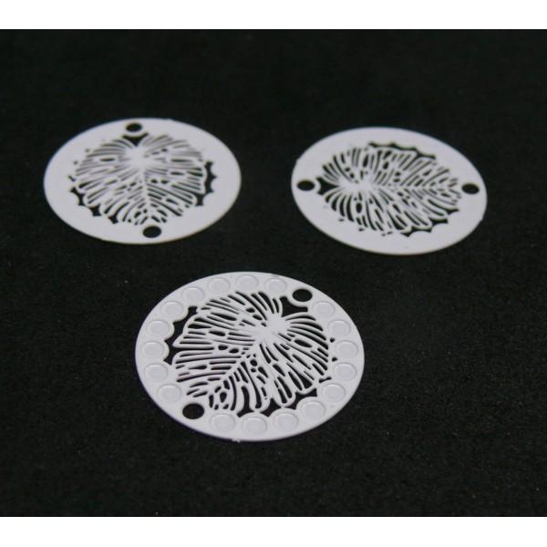 AE1110747 Lot de 5 Estampes pendentif filigrane Médaillon Feuille 20mm Coloris Blanc - Photo n°1