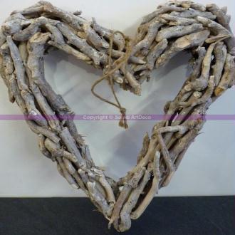 Grand cadre Coeur en bois flotté, Hauteur 45 cm x largeur 40 cm x épais. 6-7 cm