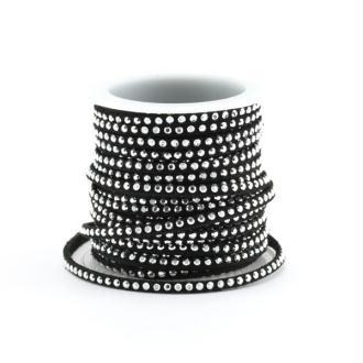 10 CM de ruban suédine (daim artificiel) de couleur noir  3 mm effet clous (rivet) argenté