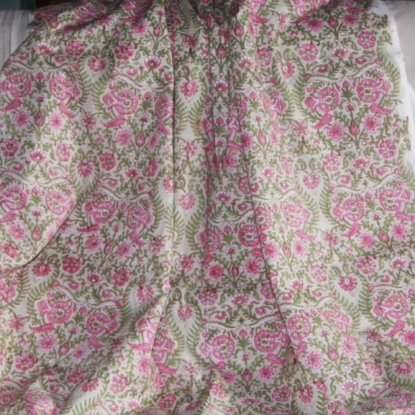 Tissu fleuri vert en voile de coton batik en 110 cm - Photo n°4
