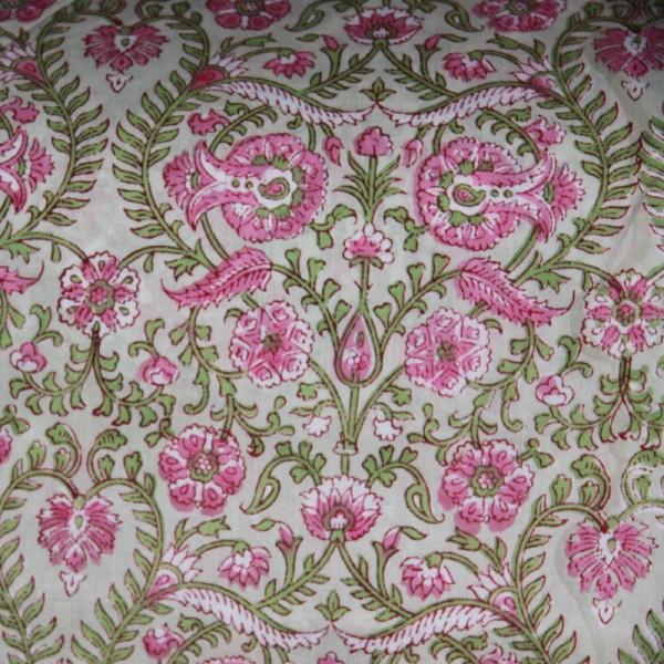 Tissu fleuri vert en voile de coton batik en 110 cm - Photo n°1