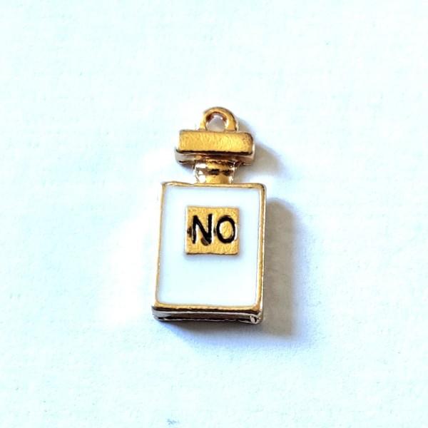 1 Breloque bouteille de parfum blanc - métal & émail - 20x10mm - b82 - Photo n°1